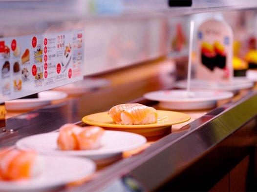 日本美食娱乐,不断发展的回转寿司